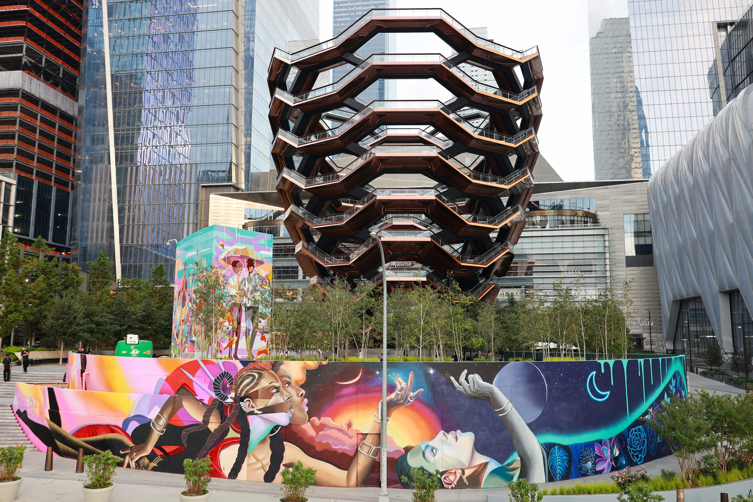 Related Hudson Yards Mural by KeyDetail and Elle