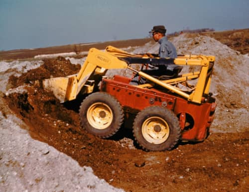 Small piloted Skid Steer