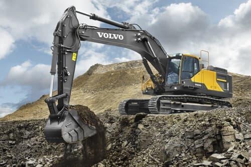Volvo excavator digging dirt