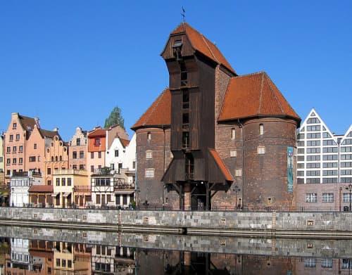 Historic port crane