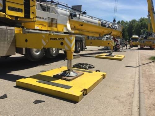 Stabilizers of a crane