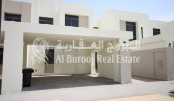 Live Next to Park & Pool-Exclusive 3BR for Families -