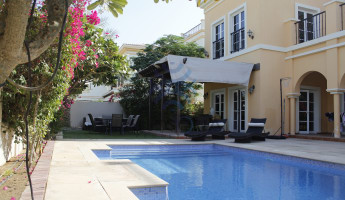Unbeatable Priced E1 Cordoba Villa with Private Pool. -