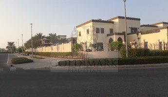 Corner Unit | Large Plot | With Landscaped -