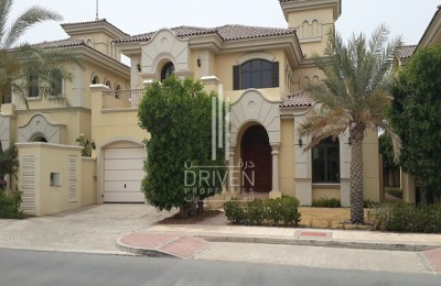 Well Maintained 4 Bed Villa, Best Location -