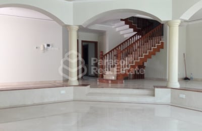 Double Storey Bright 4BR Villa in Al Safa 2 -