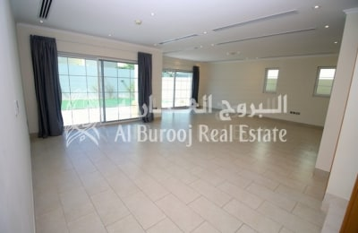 4 Bedroom+Maids | Legacy | Jumeirah Park | Move In Now -