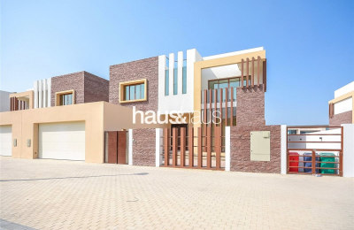 Modern | Brand new | 5 Bedroom | Swimming Pool -