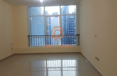 Beautiful studio apartment available for rent -