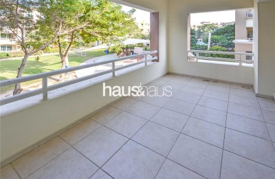 Vacant | Park View | Close To Pool -
