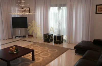 Fantastic Fully Furnished 4 Bedroom Villa -