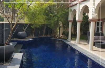 E1 Corner Villa Big Plot with Private Pool Garden -