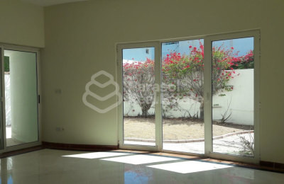 Amazing spacious 4BR Villa with Amenities -