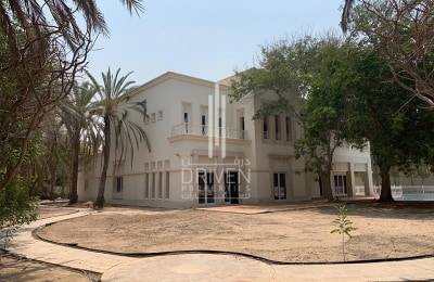 Prime Location | Huge-Layout 6 Bed Villa -