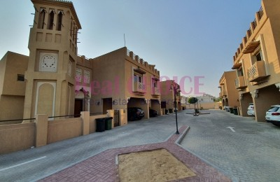 Arabic Style Villa With Garden And Facilities -