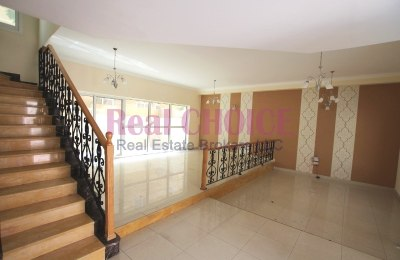 Well Maintained 4BR Villa | Convenient Location -