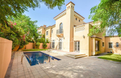 Doral   Vacant   Rectangular Pool   4 Bed -