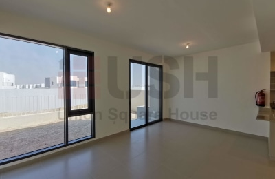 Brand New 4Br Townhouse Close to Pool and Park. -