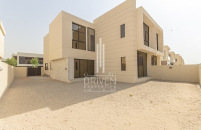Brand New 4 bed Villa For Sale Akoya By Damac -