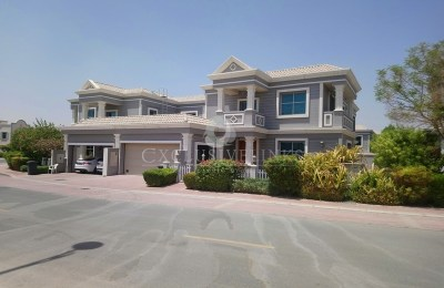 Well maintained, spacious 5 bedroom Villa for rent -
