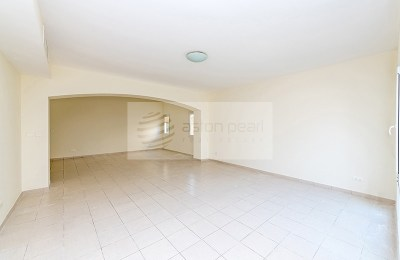 Vacant on Transfer, Type 2, 4BR+M, Meadows 9 -