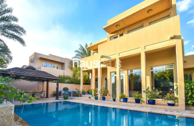 | Immaculate | Private pool | Park backing -
