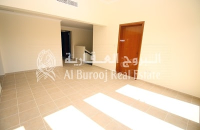 Save Agency Fee-Pay in 12 Cheques-4BR Villa in Mirdif -