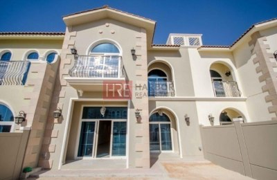 Brand New 3BR Villa Park Facing the Park next to The Community Gym & Pool -