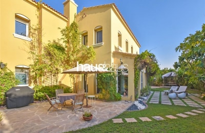 Extended Type A villa | Quiet location near pool -