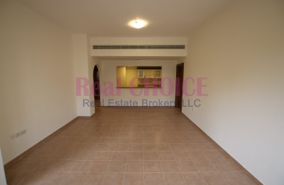 Vacant and ready to move in 2bedroom apartment -
