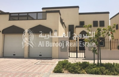 Live Near the Park-Single Row Villa in Jumeirah Park -