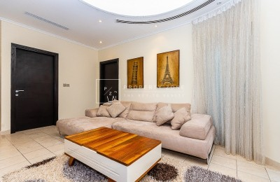 Huge 5 BR + Maids Villa with Private Pool -