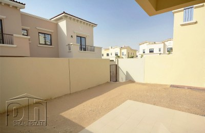 Vacant 2M and close to the pool and park| -