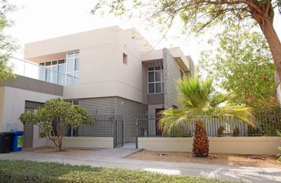 Upgraded and Modern Style 5 Bedroom Corner Villa for Sale in Dubai Silicon Oasis | Large Plot | Single Row -