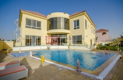 6 BR Villa with ample plot size and private pool -