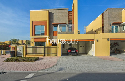 Independent Villa | Corner position | Vacant -