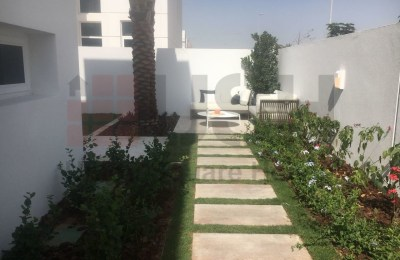 Corner Big Garden Plot Elegant 3 Bedroom -