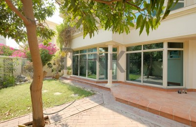 Superb Compound Living   Private Garden   Close to Spinneys -