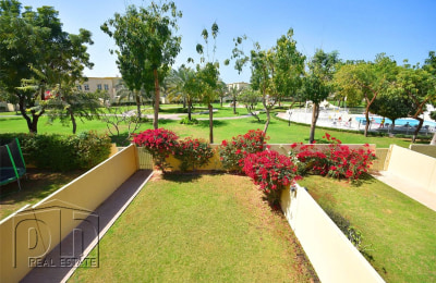 Immaculate 3M - Backing Park & Pool - Available April -