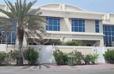 Modern Spacious Villa for Rent in Jumeirah 3 -