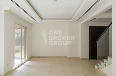 Vacant | Pool Facing 3S3 | Fully Landscapped -