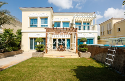 Fully Upgraded | Private Pool | 4BR Villa -