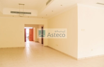 Five bed room villa for rent near Dubai water Canal -