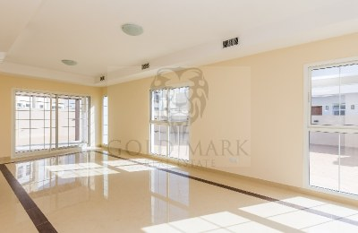Vacant 4 Bed|Close To Large Pool|Landscaped -