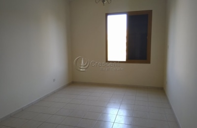 Hot Offer Middle Floor Neat and Clean -