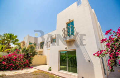 Bright 4 bedroom villa in a quiet location -