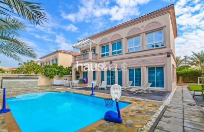Extended 3 Bedroom | District 9 with Private Pool -