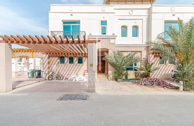 Well-maintained and Bright Villa for Rent -