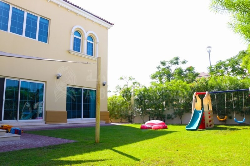 Best Deal in Jumeirah Park-Exclusive Family Living-Vacant Now -