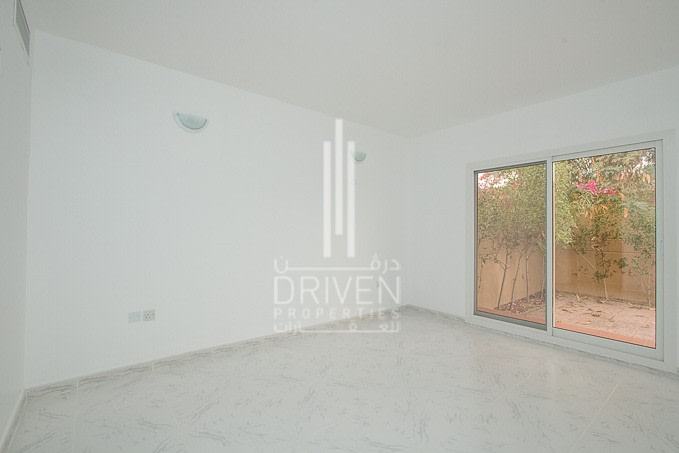 Managed Bungalow | Garden | Pool | Court -